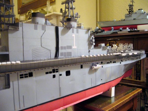 1/200 USS Tarawa LHA-1 Paper Model